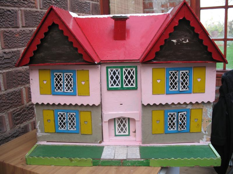 Miniartworks Jean Boyd 1950's dolls house for renovation