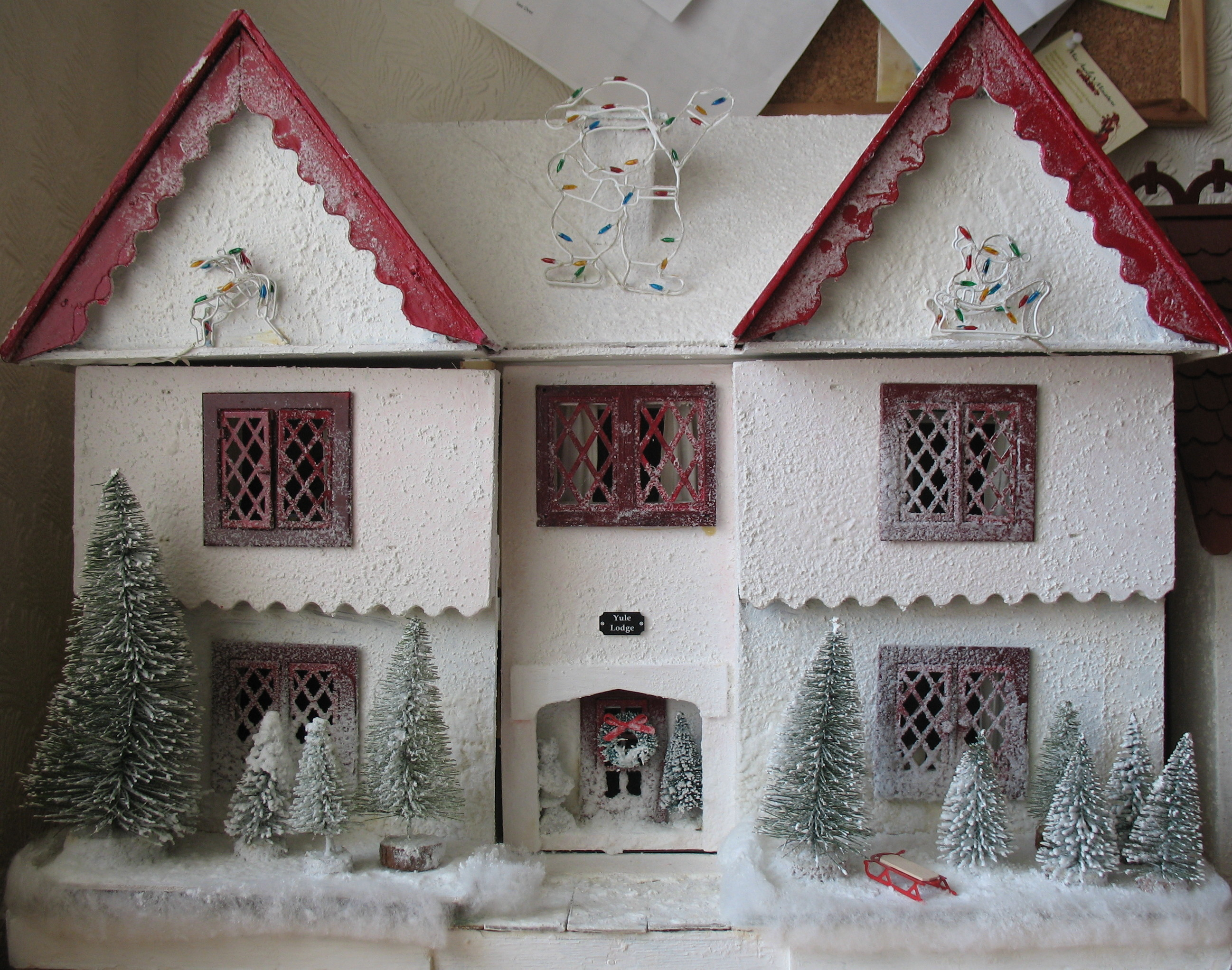 Yule Lodge Christmas House  Dolls house Jean Boyd